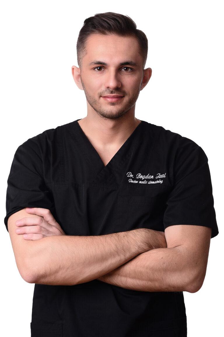 portret corporate dentist fundal alb